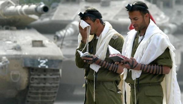 חיילים דתיים. למצולמים אין קשר לכתבה