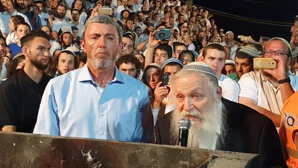 הרב רפץ והרב דרוקמן במירון