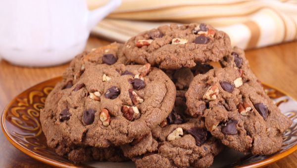 עוגיות אגוזים ושוקולד