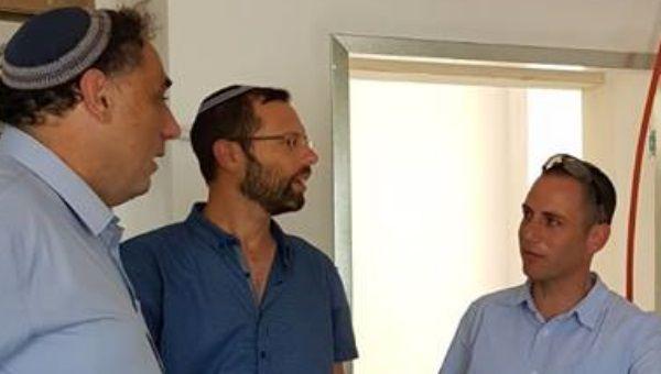 שוקי סט עם ישראל גנץ ואלחנן גלט