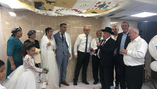 השר בחתונה