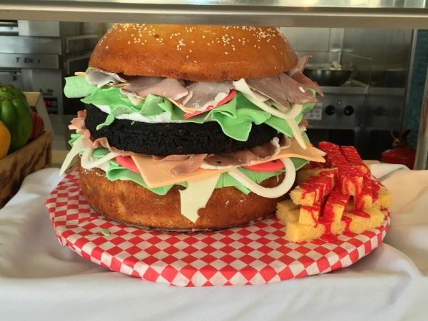 המבורגר ענקי לכבוד ה-4 ביולי