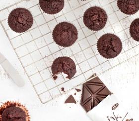 מאפינס שוקולד עם סלק צילום: גלי איתן
