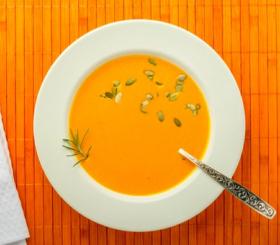 מרק בטטות ותפוזים צילום: shutterstock