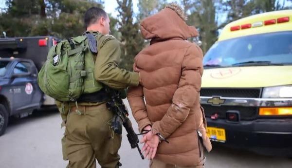 מעצר אחדהמבוקשים