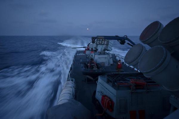 מתאמנים גם בים. ספינה בתרגיל