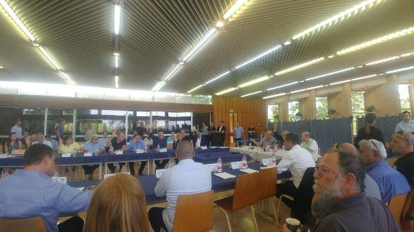 חברי הוועדה מצביעים על הקמת ועדת המשנה