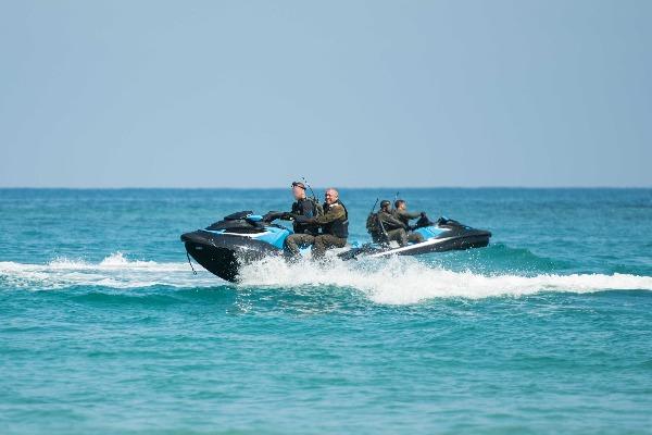 במהלך ביקור בחיל הים