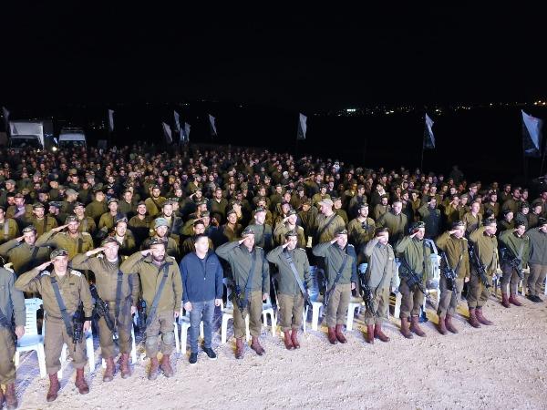 הלוחמים והמפקדים בכותל המערבי