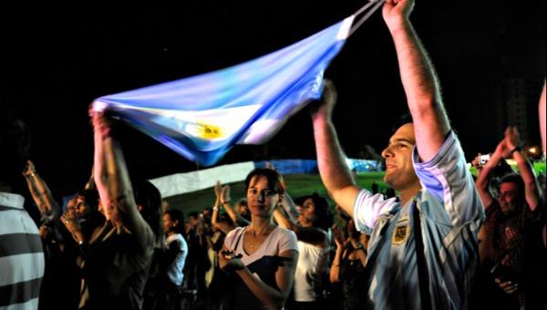 באפילה. תושבי ארגנטינה