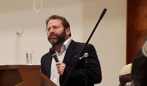 הרב לונדין באחת ההרצאות