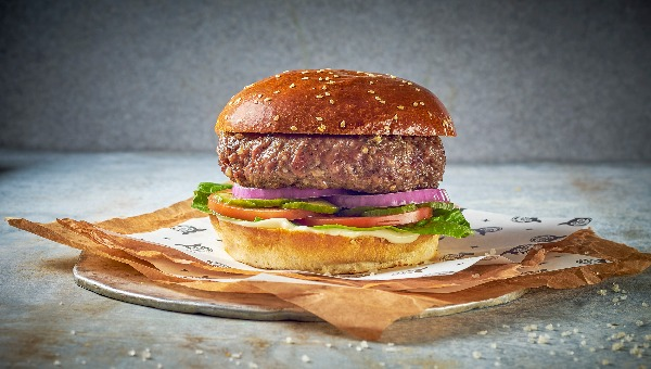 ההמבורגר שהופיע בפרסומת של רשת מוזס