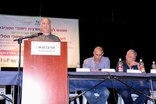 """מנכ""""ל המשרד להגנת הסביבה, ישראל דנציגר, בכנס"""