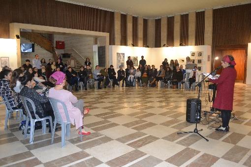 """מפגש המורי-אמנים בתערוכת """"מקום ורוח"""""""