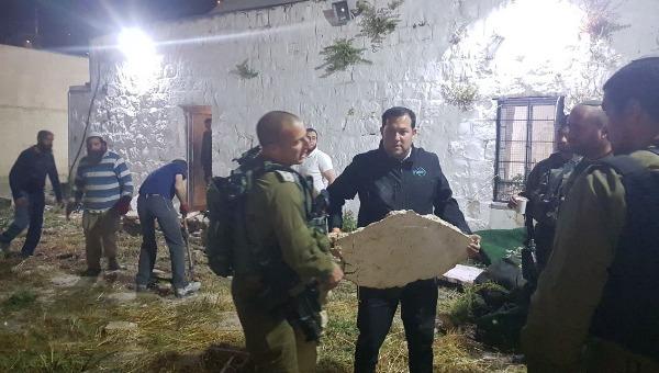 השיפוץ הלילי בקבר יוסף