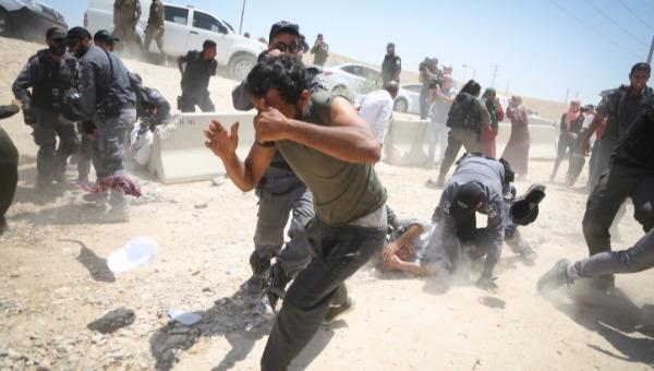 פינוי חאן אל-אחמאר
