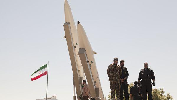 תהלוכת טילים איראניים