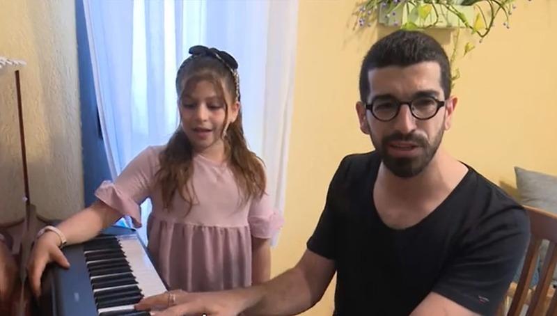 חנן בן ארי ובתו שיר ציון