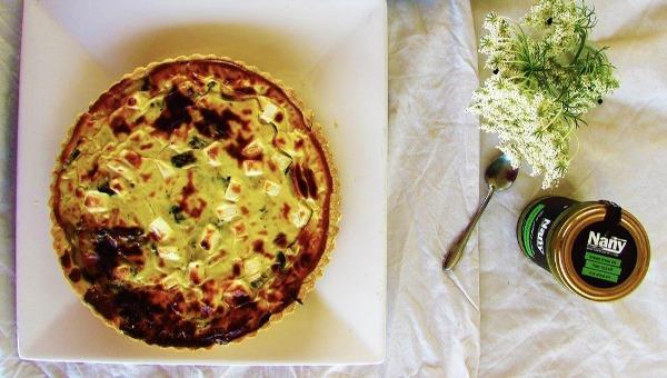 קיש גבינות עיזים עם מנגולד ירוק