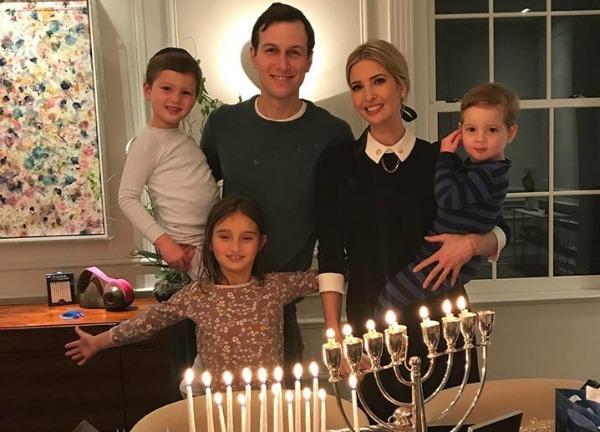 משפחת טראמפ - קושנר בחג החנוכה