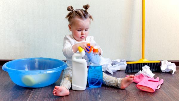 בעיצומם של הניקיונות - זה הזמן לשמור היטב על הילדים