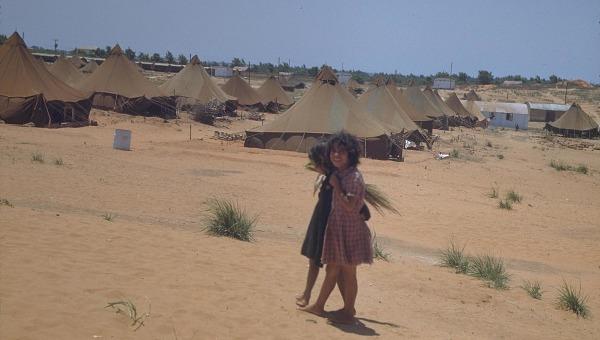 """מאהל של עולים חדשים מתימן במחנה הקליטה """"בית ליד"""""""