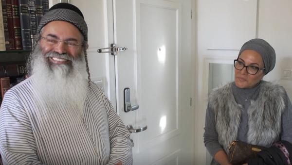 הרב אמנון יצחק ואשתו