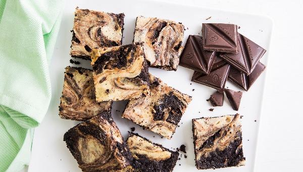 בראוניז משויש עם שוקולד וגבינת ריקוטה