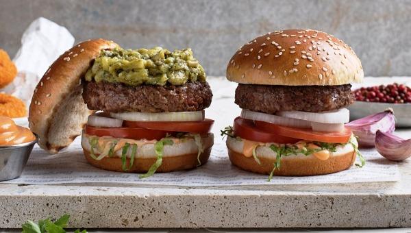 המבורגר עם חציל פיקנטי - בורגרים