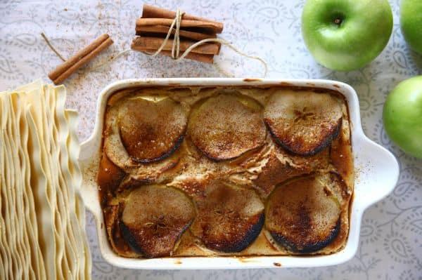 לזניה עם גבינה מתוקה ותפוחי עץ בניחוח קינמון