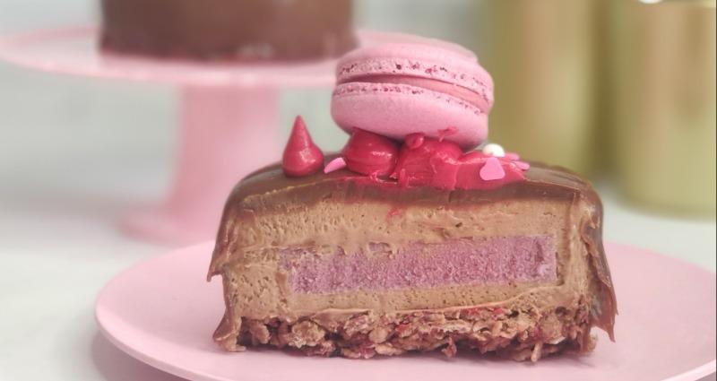 עוגות שוקולד חלב במילוי קרם תות, אורי שניידר