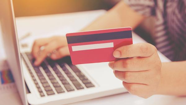 קניות באינטרנט. כדאי להכין את האשראי?