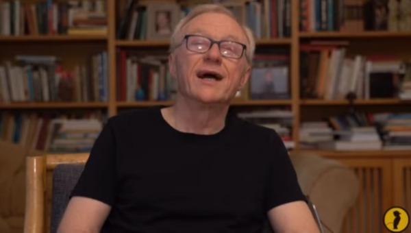 דויד גרוסמן בקליפ החדש לשירת הסטיקר