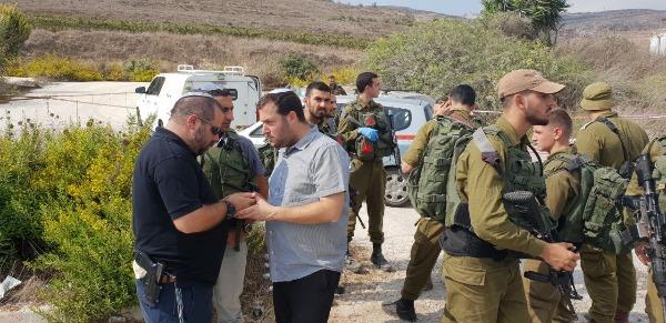כוחות הביטחון וראש המועצה יוסי דגן במקם הפיגוע
