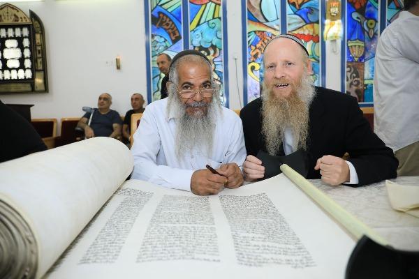 הרב איתן שנרב וסופר הסתם אמנון סעדה
