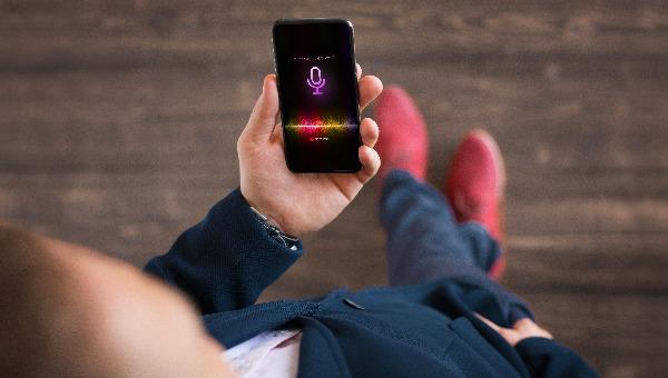 אפל הודיעה: נפסיק את ההאזנות באמצעות סירי