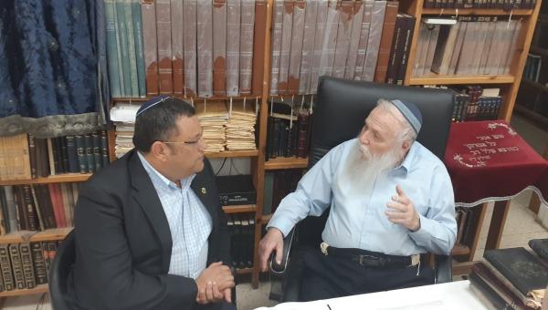 הרב דרוקמן עם משה ליאון