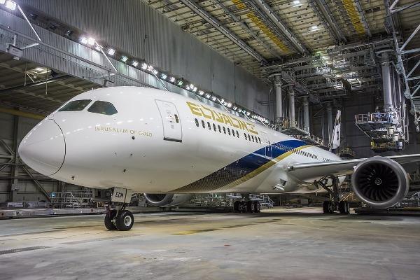 """המטוס החדש של אל-על, במפעל בואינג בארה""""ב"""