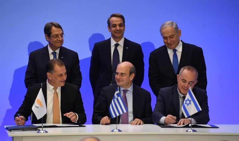 מנהיגי המדינות ושרי האנרגיה בחתימת ההסכם