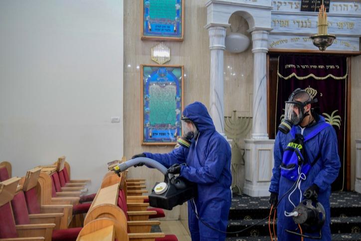 פותחים את בתי הכנסת