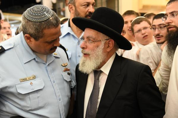 הרב יעקב שפירא ורוני אלשיך