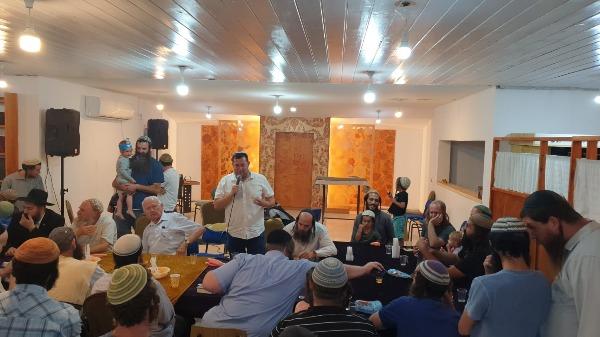 חנוכת ארון הקודש בבית הכנסת ביצהר