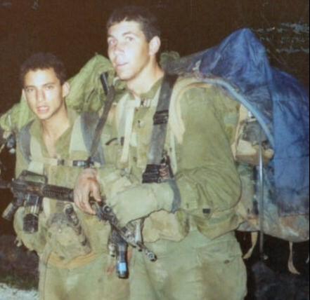 כהנא ובנט בזמן שירותם הצבאי
