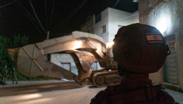 הרס בית המחבל, לפנות בוקר