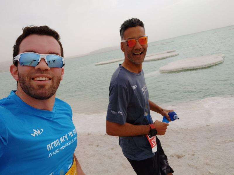 שחר ומאיר במהלך מירוץ ים המלח