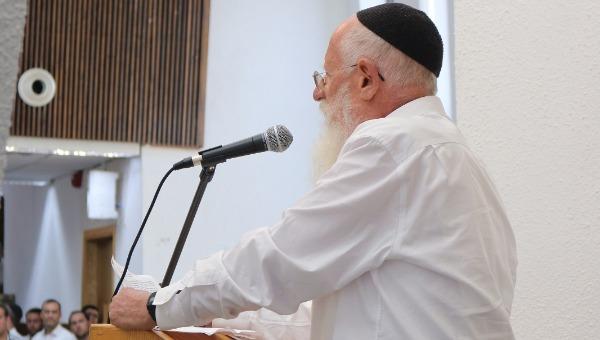 הרב יעקב מדן נואם