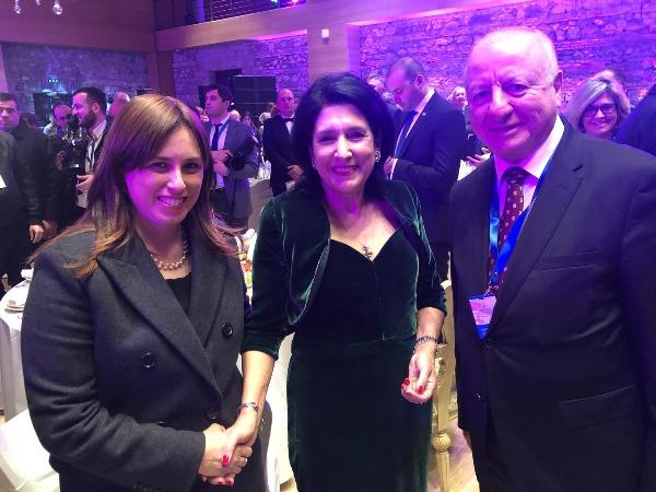 חוטובלי עם נשיאת גיאורגיה החדשה ועם שגריר ישראל בגיאורגיה