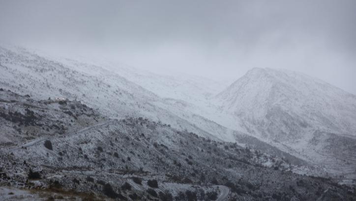 שלג במורדות החרמון, הבוקר
