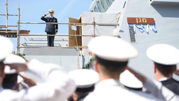 הספינה החדשה בטקס ההשקה