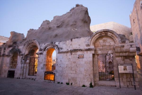 בית הכנסת המפואר שנחרב - ייבנה מחדש